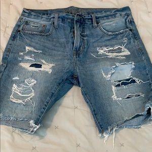 Men's American Eagle destroyed denim shorts 34
